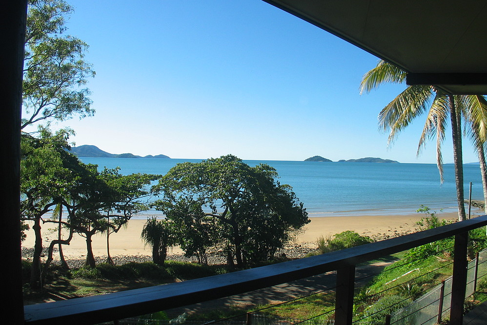 Dunk Island Holidays: Mission Beach Holiday Homes • Turquoise Waters • Mission