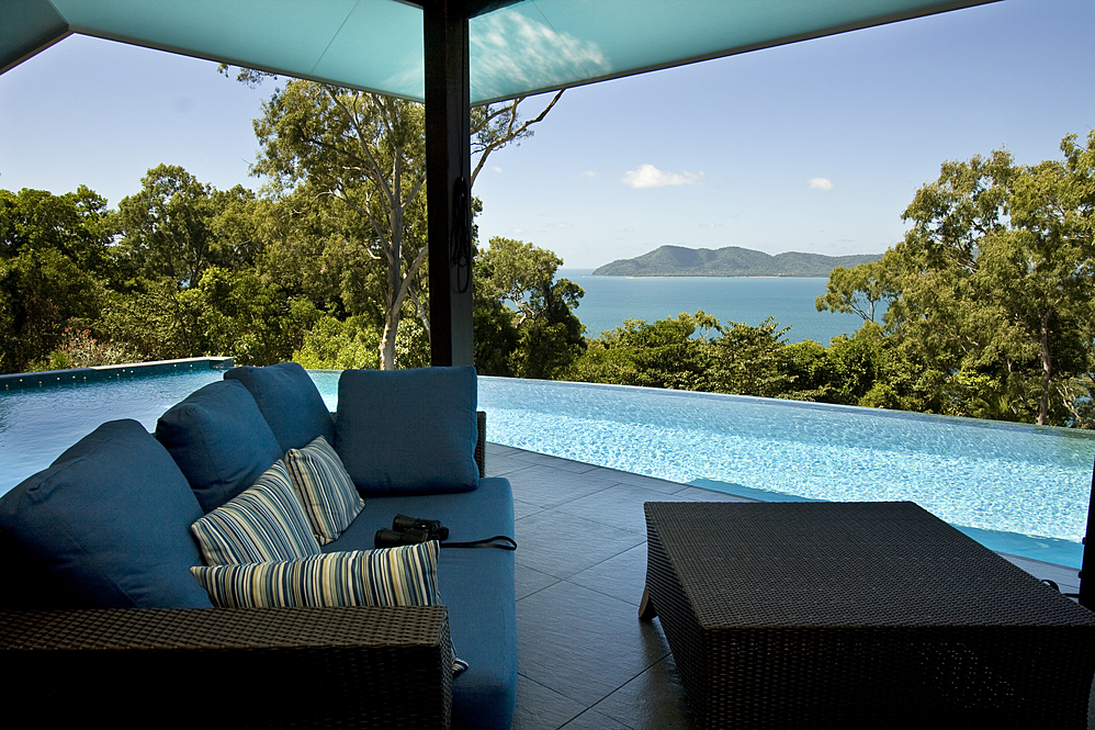Dunk Island Restraunt: Mission Beach Exclusive Holiday Accommodation • Horizons