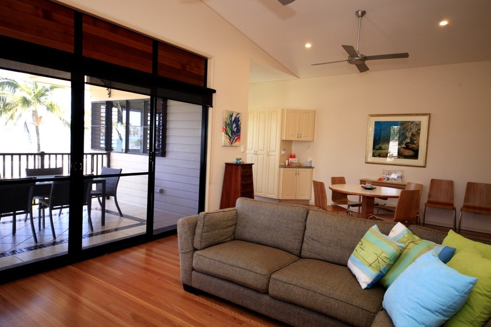 mission beach absolute beachfront holiday homes frangipani place