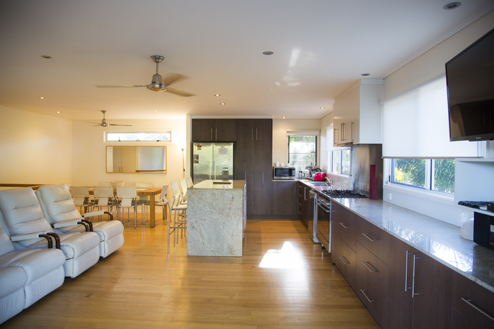 Dunk Island Holidays: Mission Beach Absolute Beachfront Holiday Homes • Azure On
