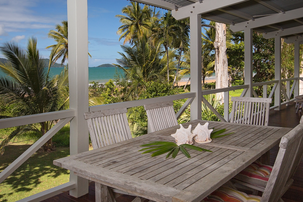 Dunk Island Holidays: Mission Beach Holiday Homes • Windjana • Mission Beach