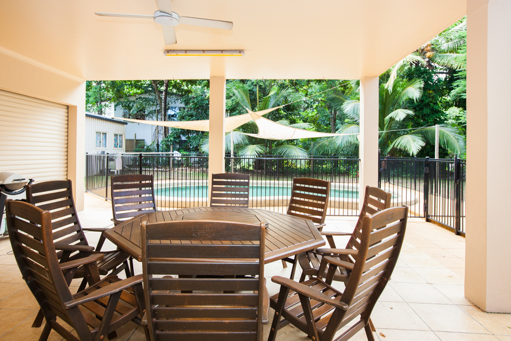 Dunk Island Holidays: Mission Beach Absolute Beachfront Holiday Homes